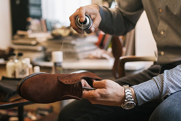 Как почистить ботинки из замши