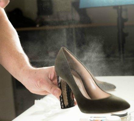 Можно ли растянуть замшевую обувь